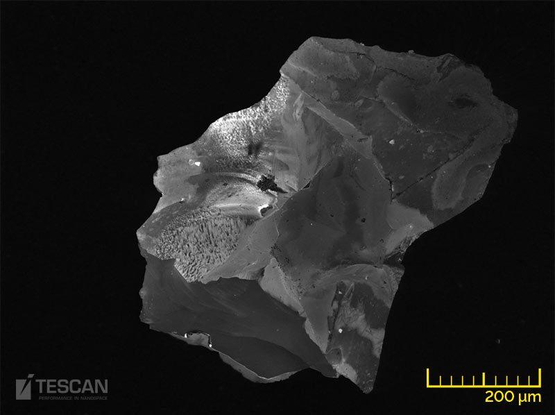 Corund inclusion - Al2O3 + silicates